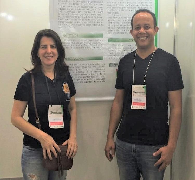 Aloísia Hirata e professor Luiz Carlos Dias da Rocha organizaram os escritos.